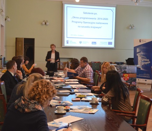 W Poddębickim Starostwie odbyło się spotkanie informacyjne pn.˝Okres Programowania 2014-2020: Programy Operacyjne realizowane na szczeblu krajowym˝
